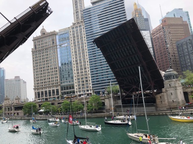 In all my years of being in Chicago, I've never seen the bridges go up!! (FYI, Wyndham was where we were married ~3ya!)